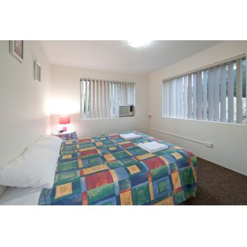 Aabon Holiday Apartments And Motel